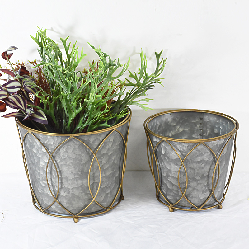 Vintage french small galvanized Metal outdoor planter with good price