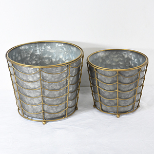 Vintage Tapered Galvanized Pails Planter Pot with Metal Wire Basket